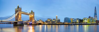 Plakat Tower Bridge panorama at dawn in London, England