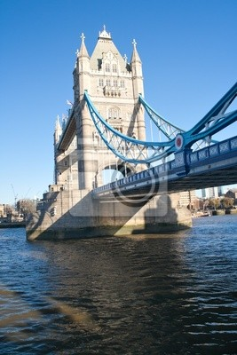Plakat Tower Bridge w Londynie z odbicia w rzece