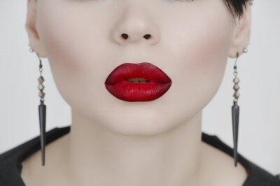 Plakat Twarz ładna dziewczyna z bardzo białą skórę i czerwone usta
