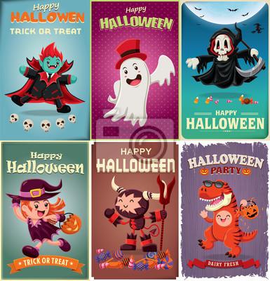 Vintage plakat Halloween z wektora wampirem, czarownica, duch, wojownik, żniwiarz, charakter dinozaurów.