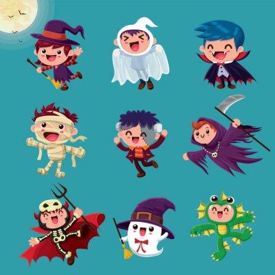 Vintage plakat Halloweenowy z wampirem, mumią, czarownicą, zombie, nietoperzem, duchem, demonem, żniwiarzem, stworem morskim, postacią potwora.