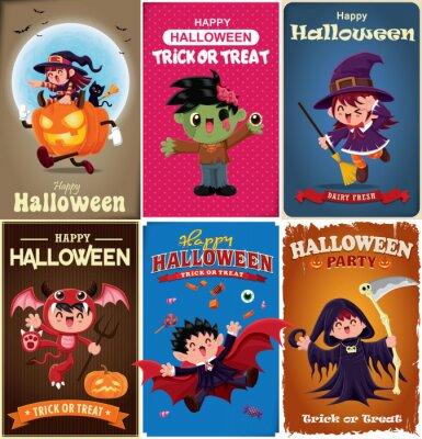 Vintage plakat Halloweenowy z wampirem wektorowym, czarownicą, zombie, nietoperzem, duchem, demonem, Jack O Lantern, żniwiarką, postacią potwora.
