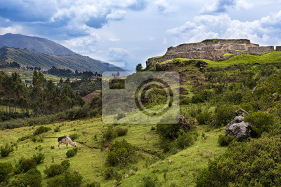 Plakat Widok na miejscu Pakapukara niedaleko Cusco, Peru