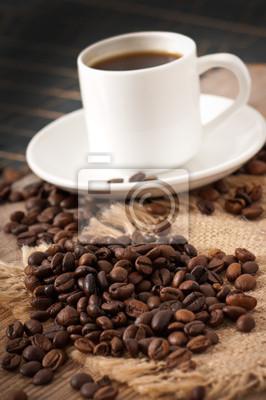 widok z bliska, kubek kawy i ziarna kawy