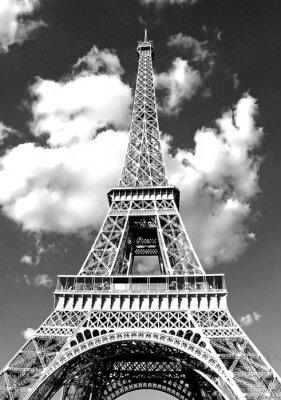 Plakat Wieża Eiffla w Paryżu i białe chmury