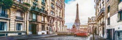Plakat Wieża eifla w Paryżu z maleńkiej ulicy
