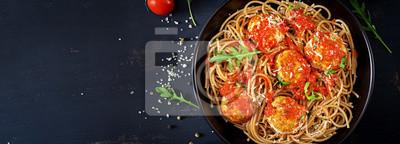 Włoski makaron. Obiad. Widok z góry. Transparent. Koncepcja slow food