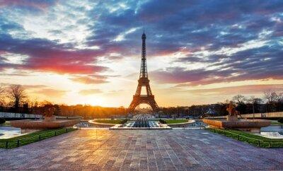 Plakat Wschód słońca w Paryżu z wieży Eiffla