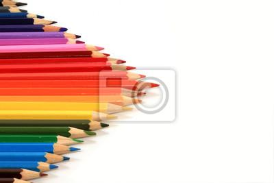 Plakat много цветных карандашей в виде треугольной стрелки на белом фоне