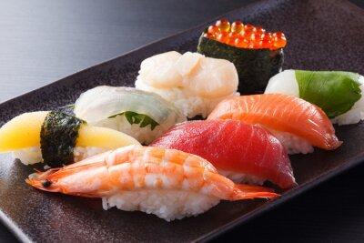 Plakat に ぎ り 寿司 の 盛 合 せ