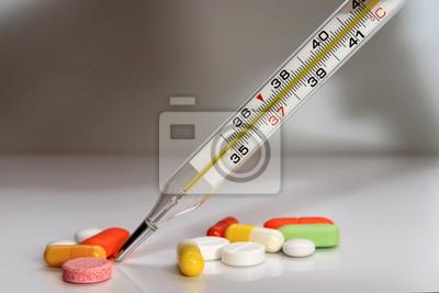 Plakat разноцветные лекарственные препараты и термометр