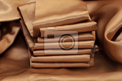 Plakat стопка золотой шелковой ткани