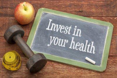 Plakat Zainwestuj w swoje porady zdrowotne na tablicy
