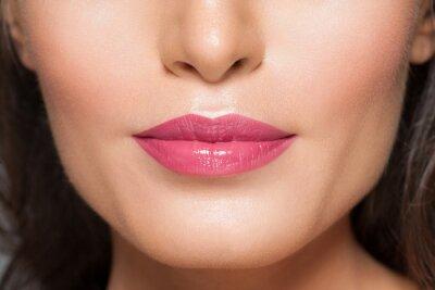Plakat Zbliżenie piękne usta