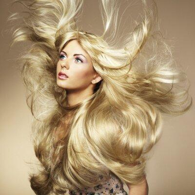 Plakat Zdjęcie piękne kobiety z wspaniałe włosy