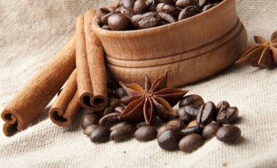 Ziarna kawy, anyżu i cynamon