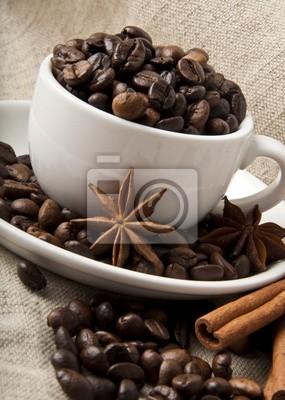 ziarna kawy i przypraw