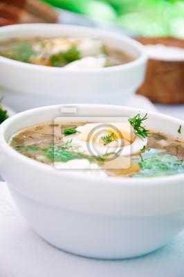 zielona zupa szczawiowa zupa w kubku