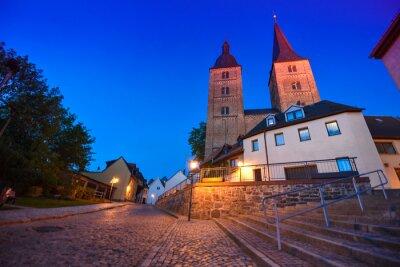 Altenburg Niemcy-Maj 2018: dwie wieże zwane Rote Spitzen przed niebieskim letnim niebem