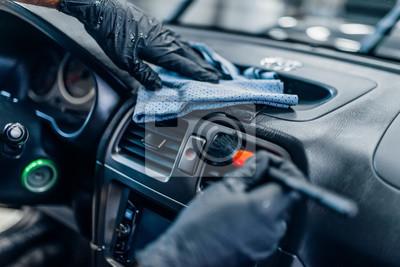 Tapeta Auto detailing wnętrza samochodu na myjni samochodowej