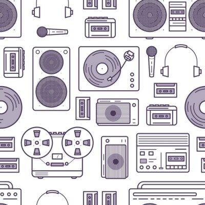 Tapeta Bezszwowy wzór z retro muzyk przyrządami rysującymi z konturowymi liniami na białym tle - kaseta pisak, boombox, turntable, hełmofony, mikrofon. Płaskie kreskówka wektor ilustracja na tapetę.