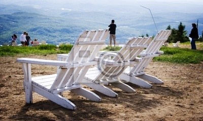 Tapeta białe krzesła