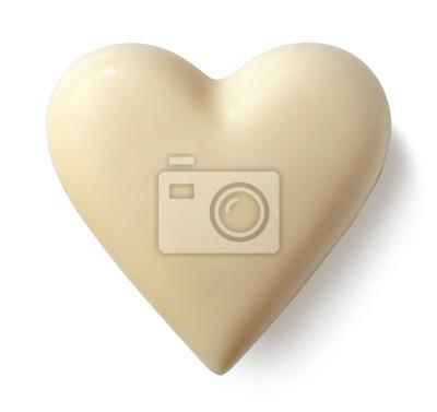 Białej czekolady serce na białym tle