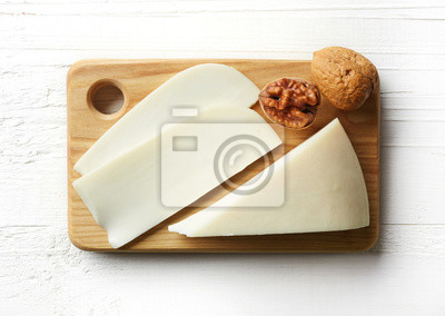 Biały kozim serem