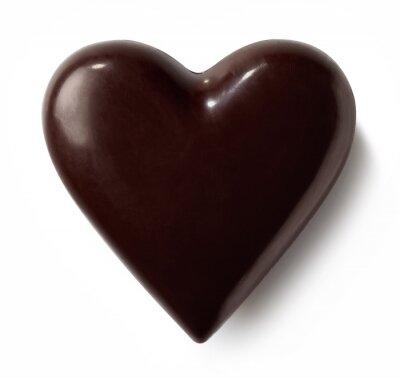 Ciemny czekoladowy serce na białym tle