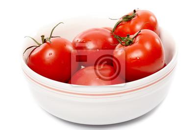 Dojrzałe pomidory w białym bowl