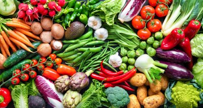 Tapeta Food background with assortment of fresh organic vegetables