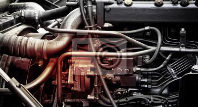 Tapeta Klasyczny fragment silnika samochodu Diesla lub silnik ciężarówki z miejsca kopiowania tekstu. Kruszcowy tło wewnętrzny dieslowski ciężarówka silnik lub samochodowy silnik.