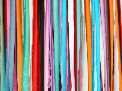 Tapeta Kolorowe pasy wykonane z papieru