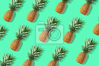 Kolorowy wzór owoców świeżych całych ananasów