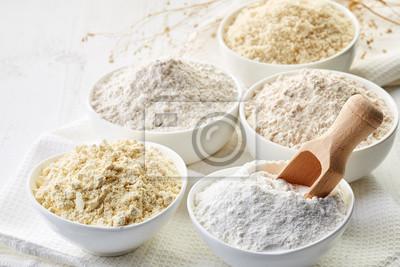 Miseczki mąki bezglutenowej