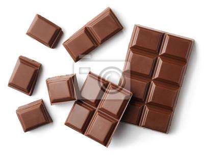 Mleko czekoladowe kawałki samodzielnie na białym tle