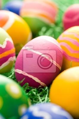 Nieostrożne pogłaskał easter eggs