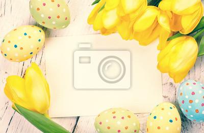 Pisanki, tulipany i karty