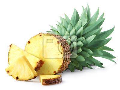 Pół i pokrojony owoc ananasa