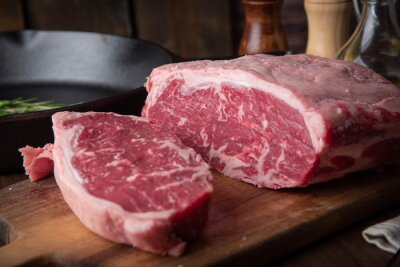 Tapeta raw block meat of sirloin steak