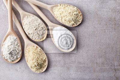 Różne bezglutenowej mąki