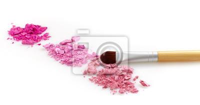 Różowe błyszczące cienie do oczu i szczotki