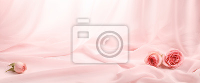 Tapeta różowe róże na miękkim jedwabiu