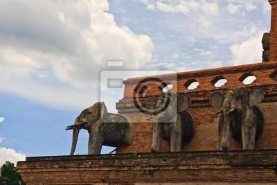 Tapeta Sacred dekoracji słoń na starożytnej pagoda