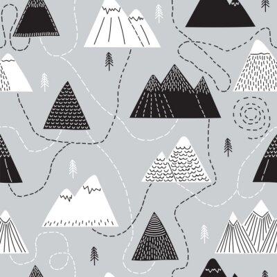 Tapeta Śliczna ręka rysujący bezszwowy wzór z drzewami i górami. Twórczy skandynawski las tło. Las. Stylowy szkic