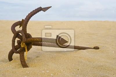 stara kotwica na piasku