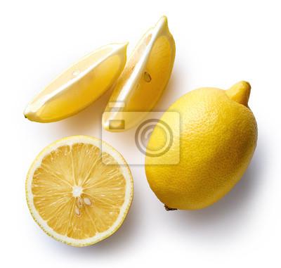 Świeże cytryny samodzielnie na białym tle