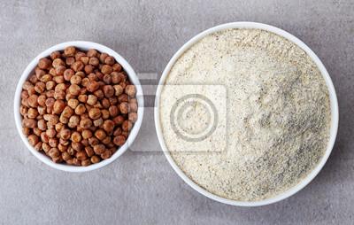 Szary groch mąki