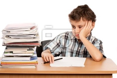 Uczeń niezadowolony od ilości pracy, jaką musi zrobić
