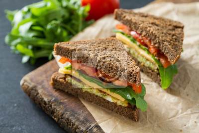 Tapeta Vegan kanapkę z sałatą i serem